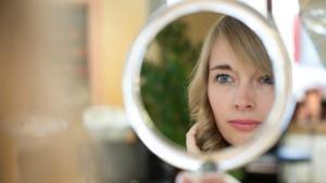 vrouw-spiegel