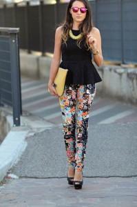 broek met bloemen print