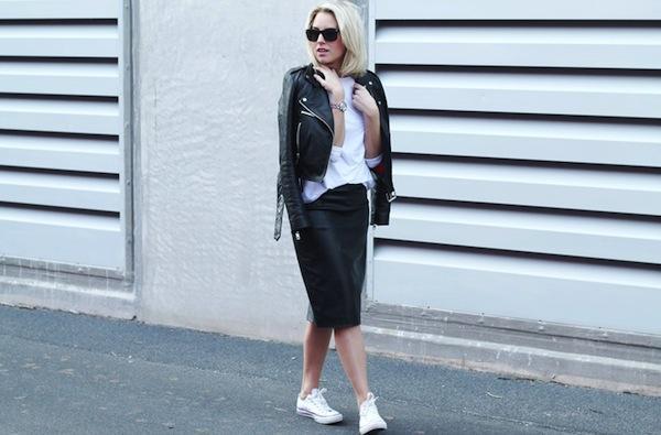 b5cc5383a03783 Uitzonderlijk stijluur  Hoe combineer je  comfortabele schoenen met een rok  of  DB74