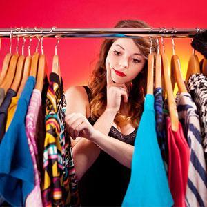 kleuradvies kleding vragende dame